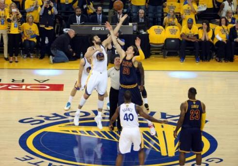 NBA: Playoffs-Cleveland Cavaliers at Golden State Warriors
